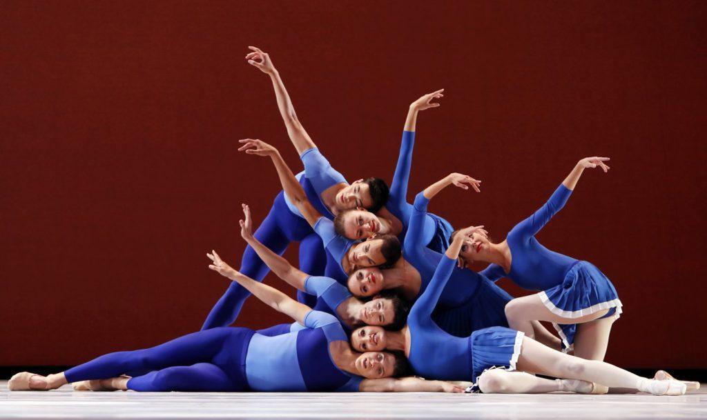"1. Ensemble, ""Year of the Rabbit"" by J.Peck, Dutch National Ballet © H.Gerritsen 2016"
