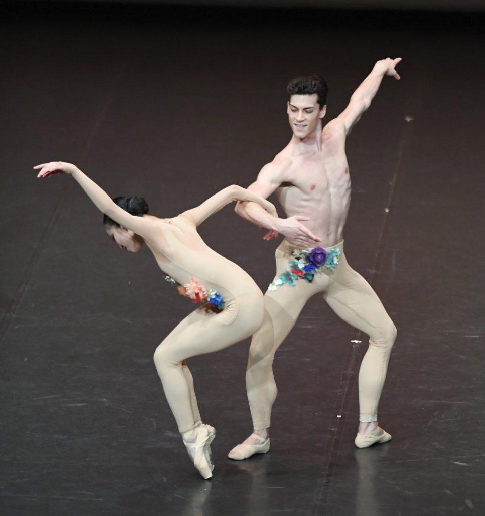 """1. Students of the John Cranko School, """"The Four Seasons"""": """"Spring"""" by K.Kozielska © Stuttgart Ballet 2016"""