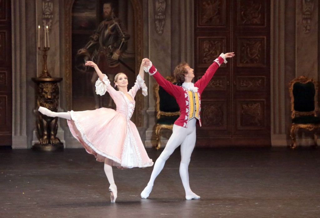 "15. E.Obraztsova and S.Chudin, ""Marco Spada"" by P.Lacotte, Bolshoi Ballet © D.Yusupov/Bolshoi Theatre"
