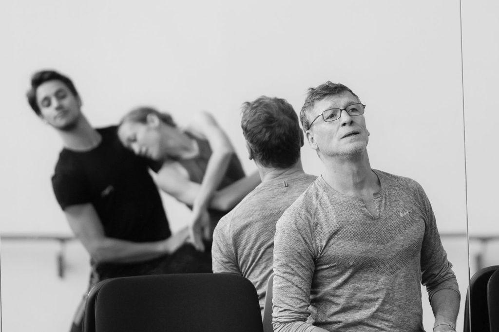 "1. N.Duato, D.Vieira and K.Ovsyanick, rehearsal of N.Duato's ""Nutcracker"", State Ballet Berlin © Y.Revazov 2016"