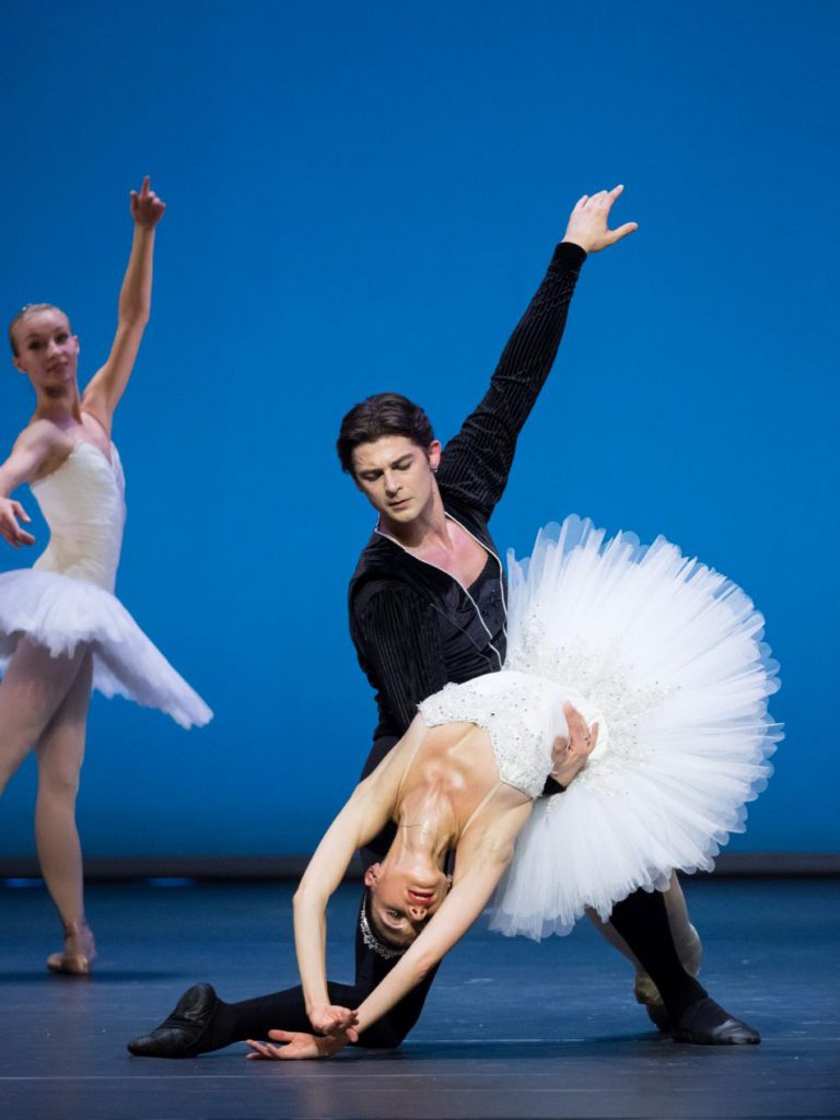 "1. L.Konovalova, V.Shishov and ensemble, ""Symphony in C"" by G.Balanchine © Vienna State Ballet / A.Taylor 2016"
