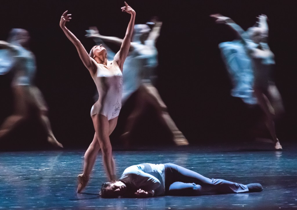 "10. C.Richardson, F.Voranger and ensemble, ""Giselle"" by D.Dawson, Semperoper Ballet Dresden © I.Whalen 2015"