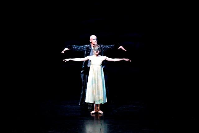 11. Roman Novitzky and Elizabeth Wisenberg, Krabat by Demis Volpi, Stuttgart Ballet