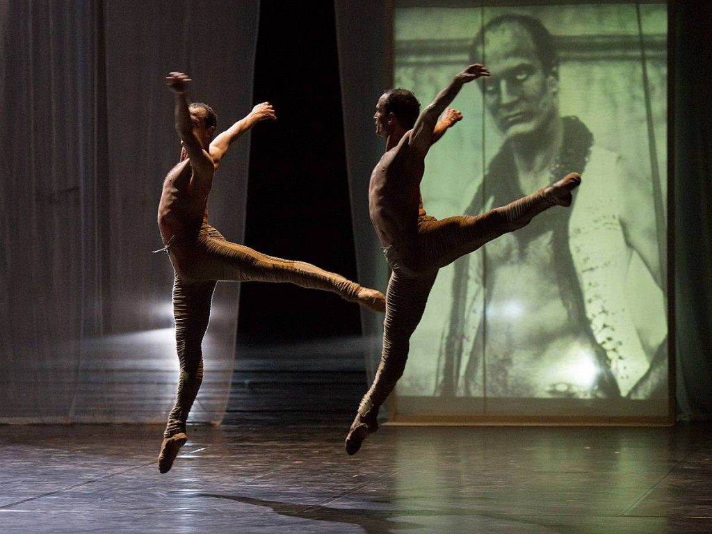 12. Jiří and Otto Bubeníček, Picture of Dorian Gray, Les Ballets Bubenicek, Prague, photo Costin Radu