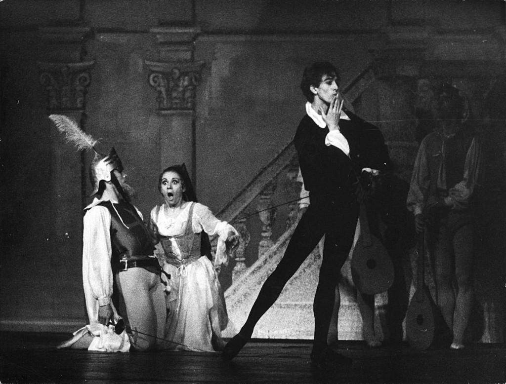 14. Max Midinet, Marianne Kruuse, Fred Howald, Don Juan by J.Neumeier, Ballet Frankfurt, 1972, copyright Günther Englert, Frankfurt
