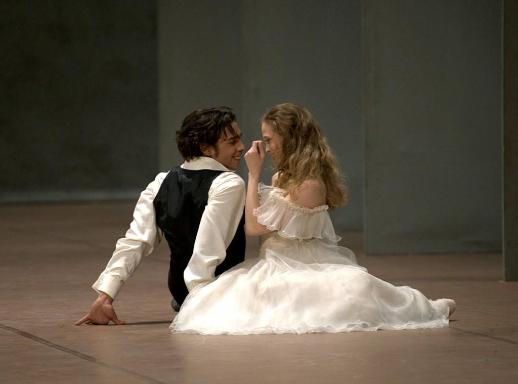 19. Jason Reilly and Alicia Amatriain, Lady of the Camellias by J.Neumeier, Stuttgart Ballet, photo Stuttgart Ballet