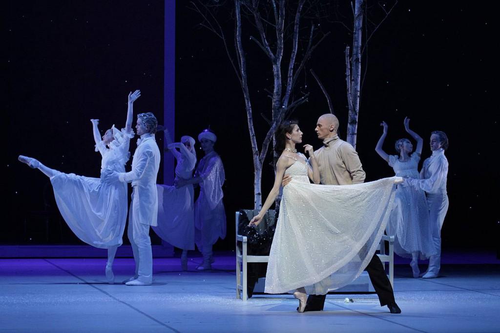 2. Hélène Bouchet, Edvin Revazov and ensemble, Tatiana by J.Neumeier, Hamburg Ballet 2014