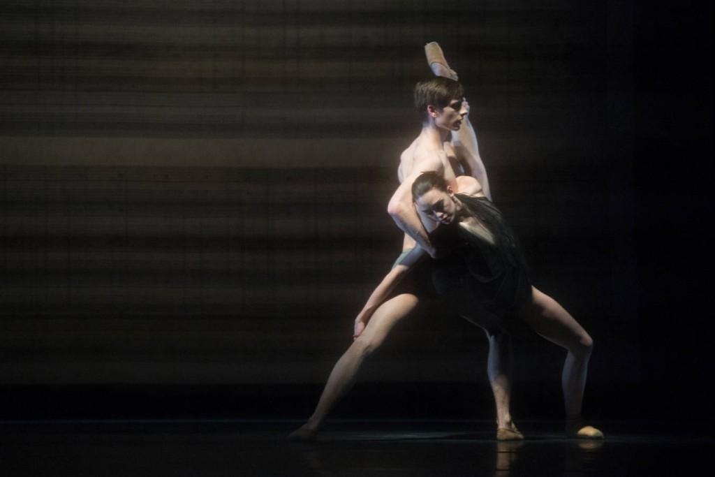 2. Jan Casier and Juliette Brunner, Kairos by Wayne McGregor, Ballet Zurich