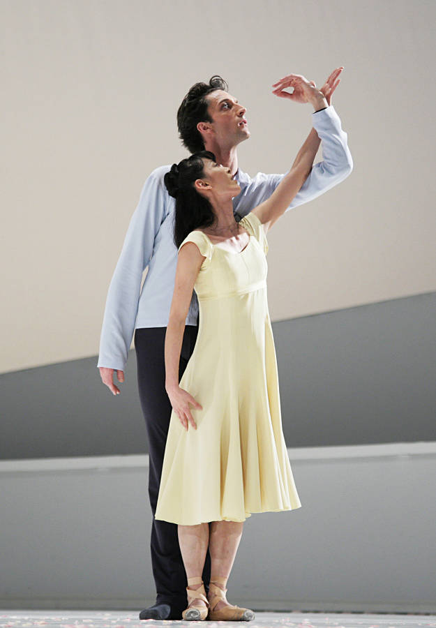 2. R.Coumes-Marquet and Y.Takeshima, Giselle by David Dawson, Semperoper Ballet