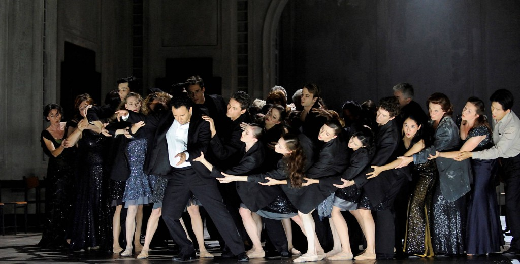 2. Luciano Bothelo and ensemble (2009), Orphée et Euridice by Christian Spuck, Stuttgart