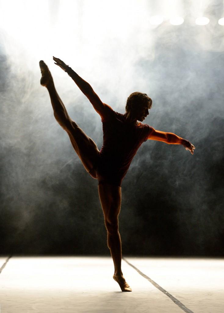 21. Jason Reilly, Mono Lisa by Itzik Galili, Stuttgart Ballet, photo Stuttgart Ballet