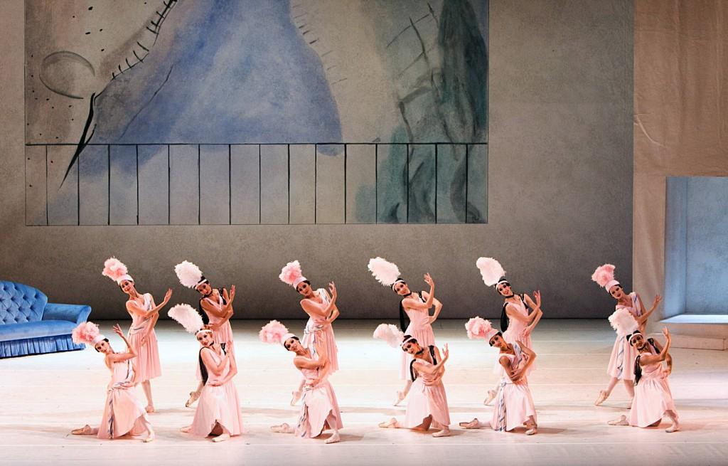 """3. Ensemble, """"Les Biches"""" by B.Nijinska, Bavarian State Ballet"""