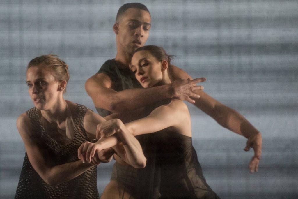 4. Katja Wünsche, Manuel Renard and Juliette Brunner,  Kairos by Wayne McGregor, Ballet Zurich