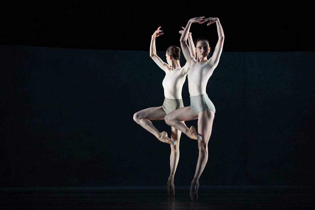 3. Viktorina Kapitonova and Galina Mihaylova, Kairos by Wayne McGregor, Ballet Zurich