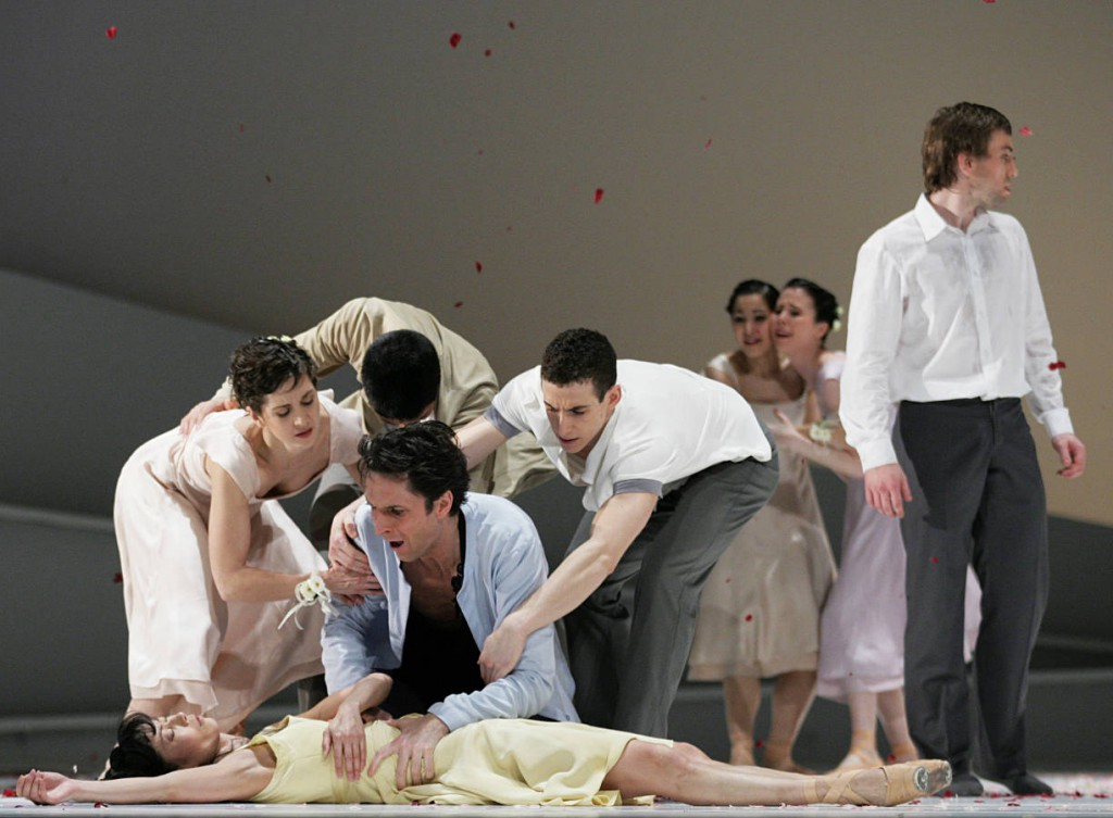 4. Takeshima, Coumes-Marquet and ensemble, Giselle by David Dawson, Semperoper Ballet