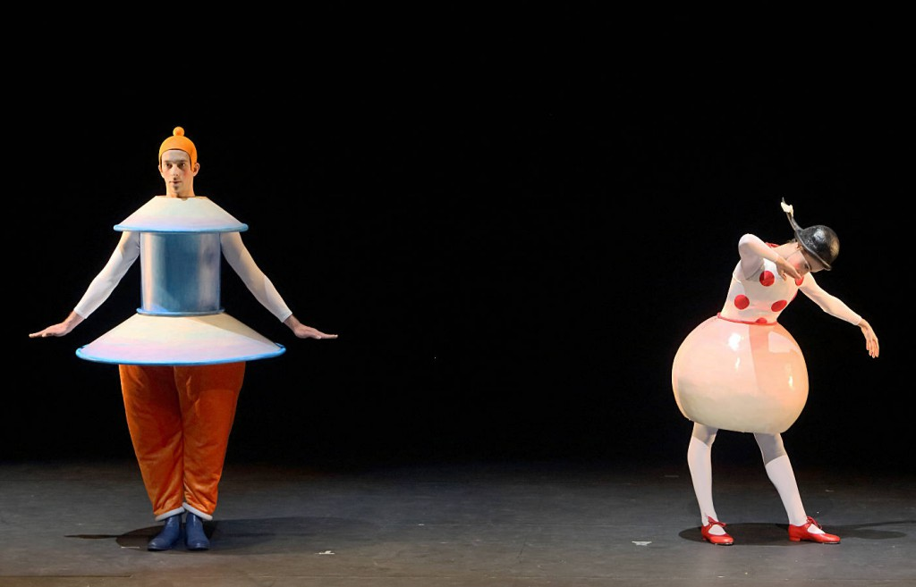 4. The Triadic Ballet by Gerhard Bohner, Cylinder and Round Skirt, Goffin, Villalba, copyright W.Hösl