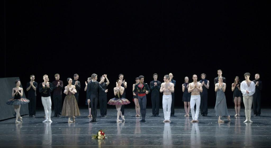 "5. First row: A.Ol, A.Lyubimov, M.Simon, A.Jones, F.Oliveira, Y.Acosta, F.Voranger, J.Bubeníček, A.Behrend, S.Bourgond; second row: ensemble, ""2.International Ballet Gala"", Ballet of the State Theater Nuremberg © B.Stöß 2015"
