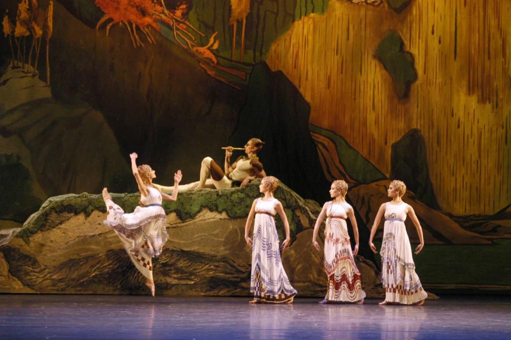 """5. T.Mikayelyan and ensemble, """"L'Après-midi d'un faune"""" by V.Nijinsky, Bavarian State Ballet"""