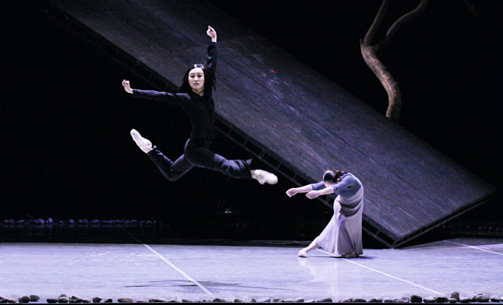 5. Y.Park and C.Agüero, Messiah by John Neumeier, Hamburg Ballet