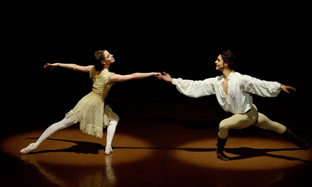 6. Elisa Badenes and Daniel Camargo, The Taming of the Shrew by J.Cranko, Stuttgart Ballet, photo Stuttgart Ballet