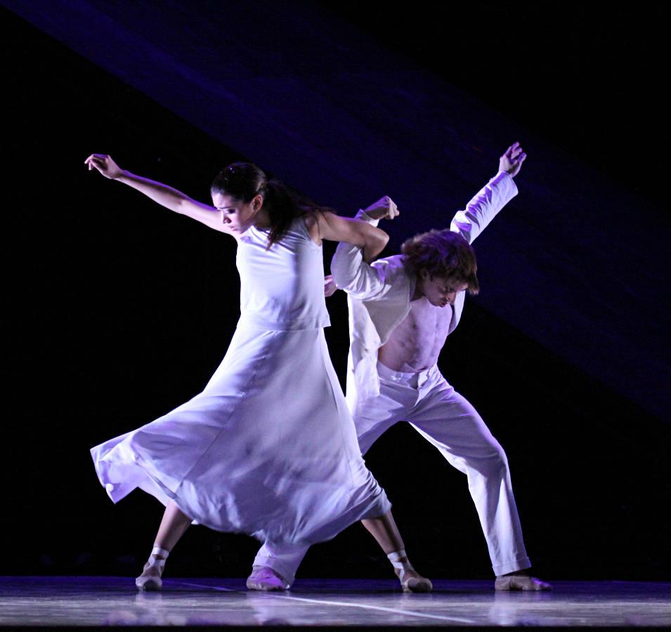 6. L.Rios and A.Martinez, Messiah by John Neumeier, Hamburg Ballet