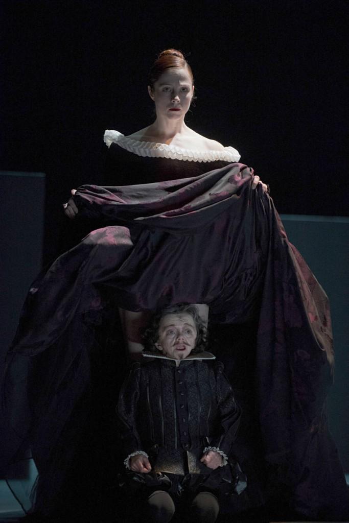 5. Eva Dewaele and Mireille Mossé, Sonnet by Christian Spuck, Ballet Zurich