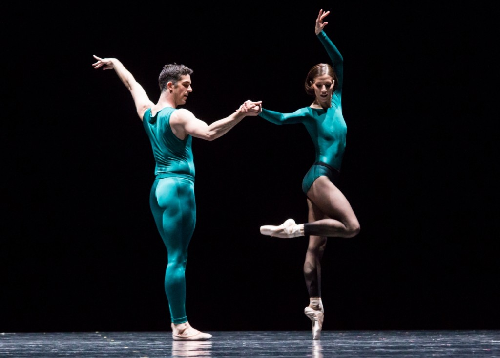 "4. L.Guilbaud and S.Gileva, ""Impressing the Czar"" by W.Forsythe: ""In the Middle, Somewhat Elevated"", Semperoper Ballet Dresden © I.Whalen 2015"