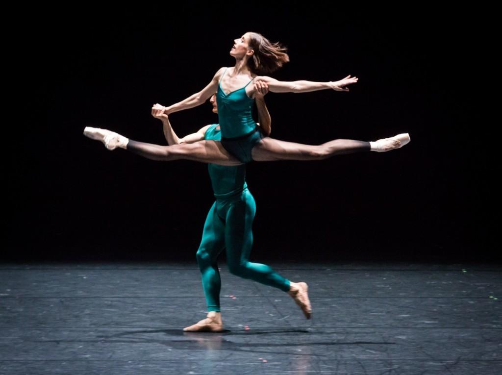 "6. S.Gileva and J.Bubeníček, ""Impressing the Czar"" by W.Forsythe: ""In the Middle, Somewhat Elevated"", Semperoper Ballet Dresden © I.Whalen 2015"