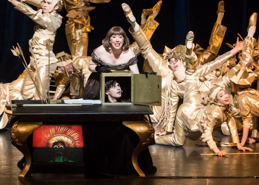 "7. H.Pickett, J.A.Lacey and ensemble, ""Impressing the Czar"" by W.Forsythe: ""La Maison de Mezzo-Prezzo"", Semperoper Ballet Dresden © I.Whalen 2015"
