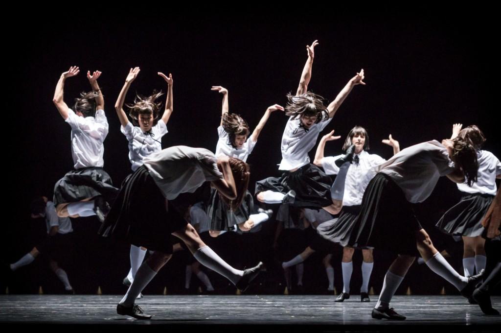 "8. Ensemble, ""Impressing the Czar"" by W.Forsythe: ""Bongo, Bongo Nageela"", Semperoper Ballet Dresden © I.Whalen 2015"