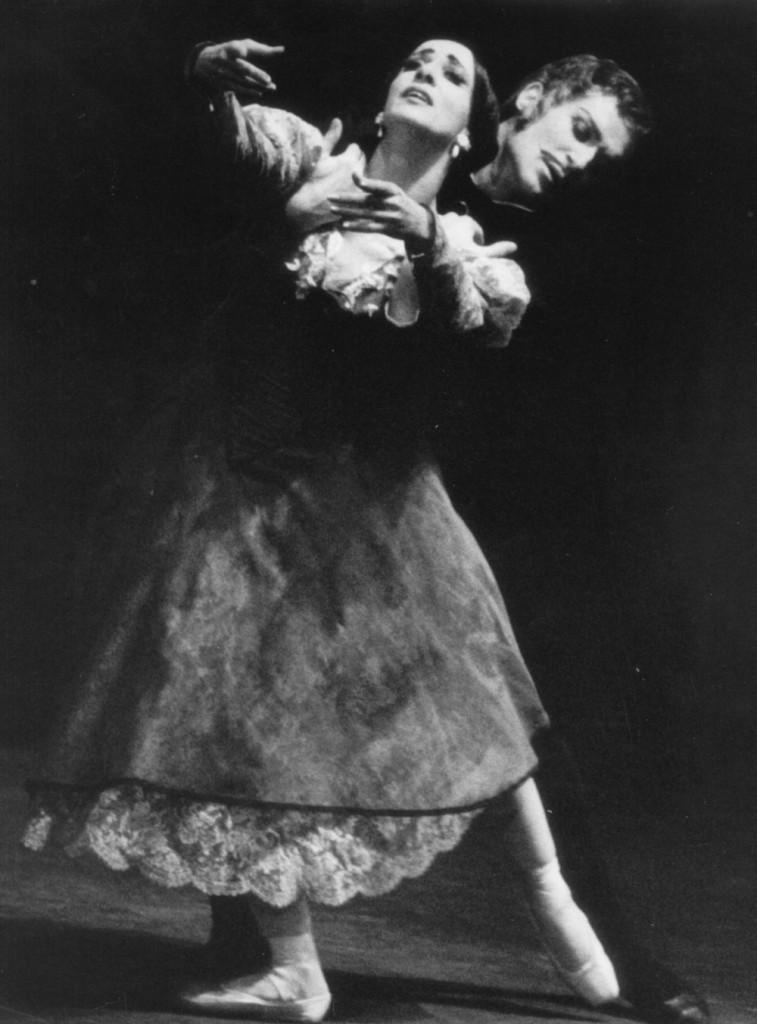 "8. M.Haydée and H.Clauss, ""Onegin""; J.Cranko, choreographer; Stuttgart Ballet © German Theater Museum, Munich; archive Winkler-Betzendahl 2015"