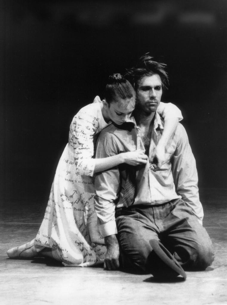 """15. G.Hyatt and I.Liška, """"Peer Gynt""""; J.Neumeier, choreographer; Hamburg Ballet 1989 © H.Badekow 2015"""