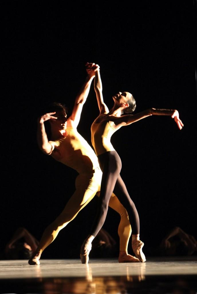 "3. L.Lacarra and T.Mikayelyan, ""Artifact II"" by W.Forsythe, Bavarian State Ballet, Munich © W.Hösl 2015"