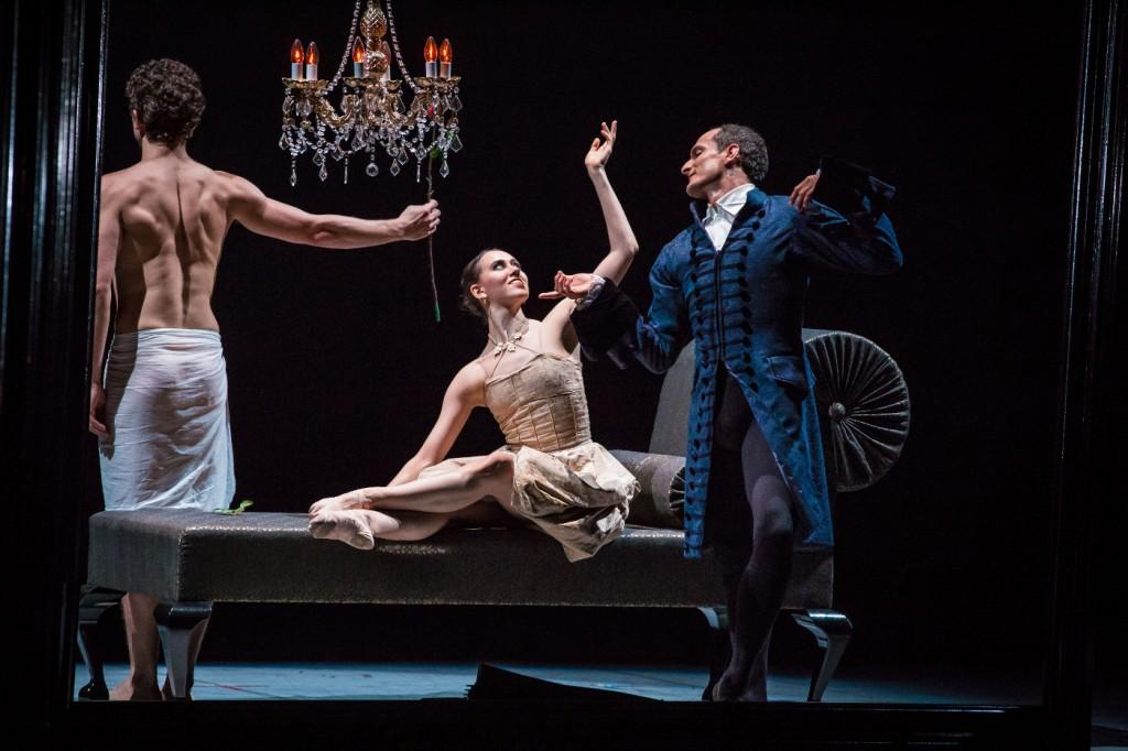 "1. A.Morariu, S.Vinograd and J.Bubeníček, ""L'Heure Bleue"" by J.Bubeníček, Les Ballets Bubeníček 2015 © S.Ballone"