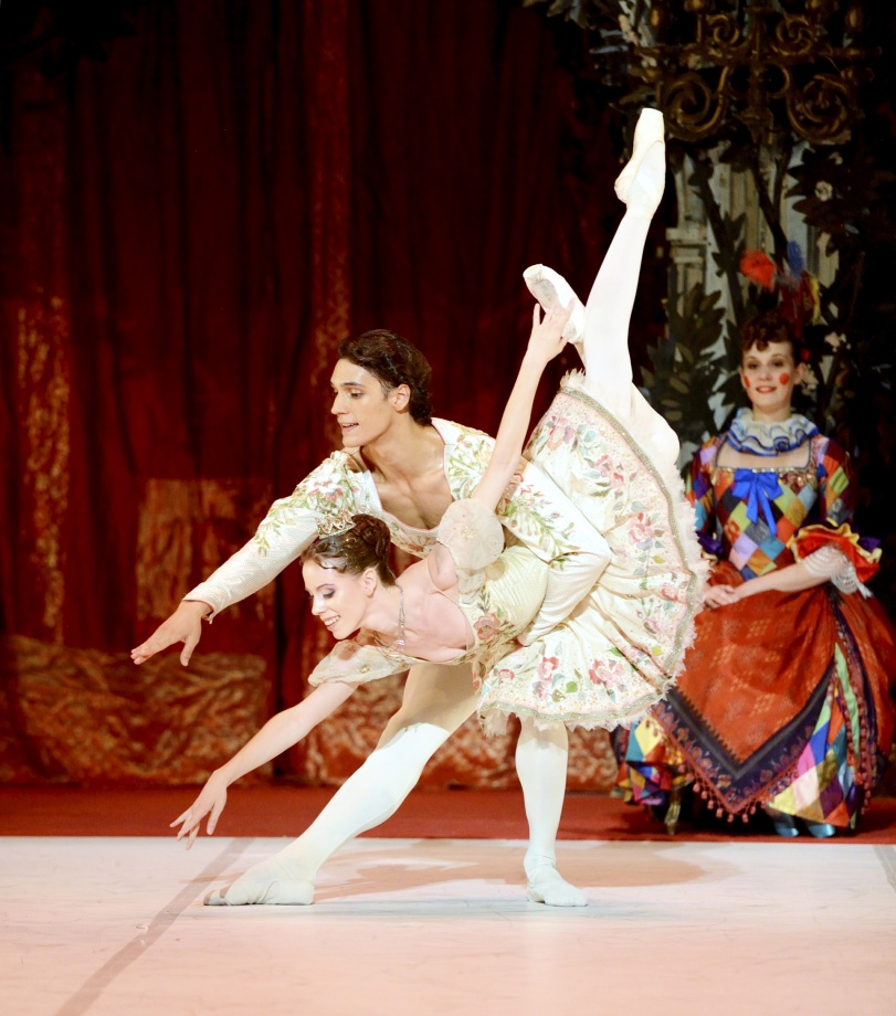 "4. E.Badenes and D.Camargo, ""Sleeping Beauty"" by M.Haydée after M.Petipa, Stuttgart Ballet 2015 © Stuttgart Ballet"