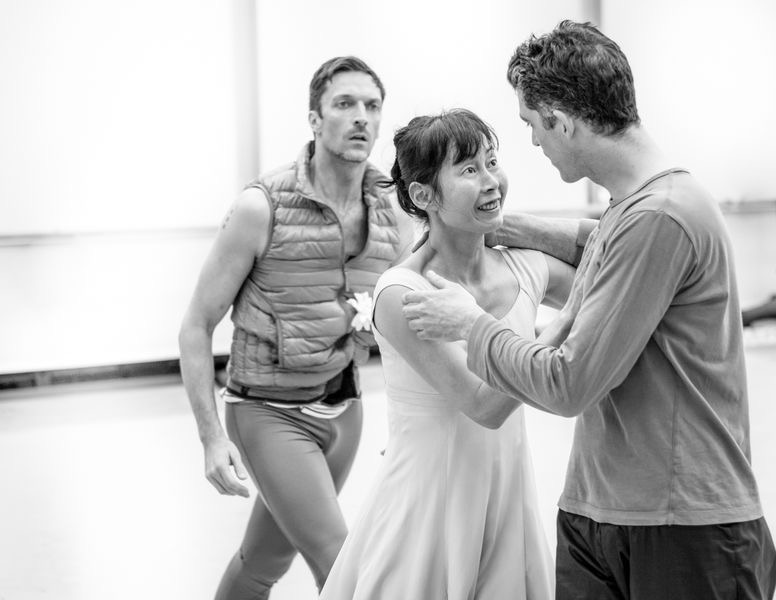 "4. R.Coumes-Marquet, Y.Takeshima and L.Guilbaud, rehearsal of ""Giselle"" by D.Dawson, Semperoper Ballet © I.Whalen 2015"