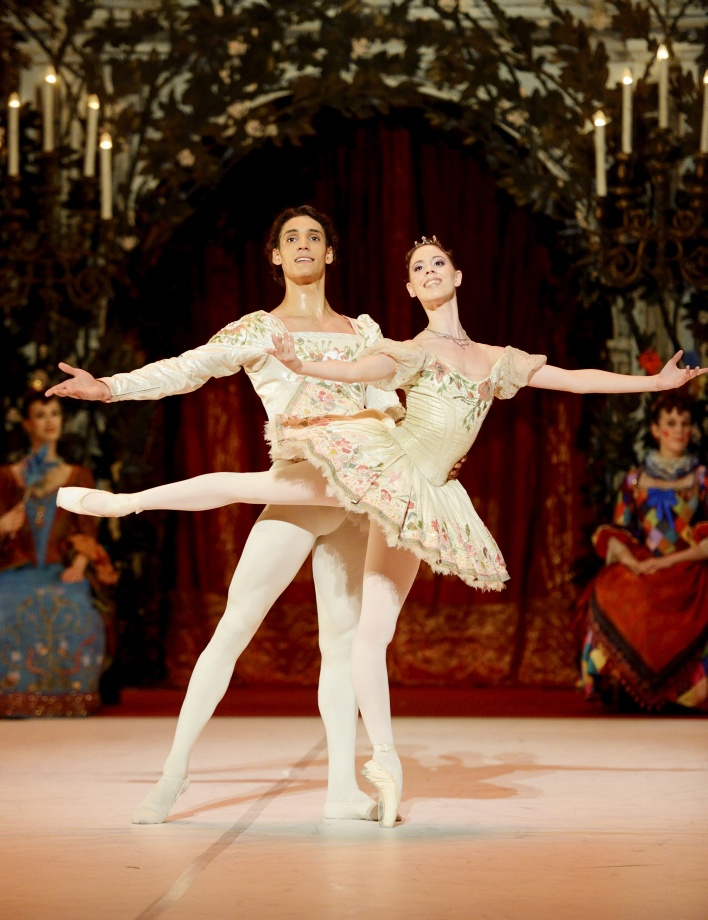 "5. E.Badenes and D.Camargo, ""Sleeping Beauty"" by M.Haydée after M.Petipa, Stuttgart Ballet 2015 © Stuttgart Ballet"