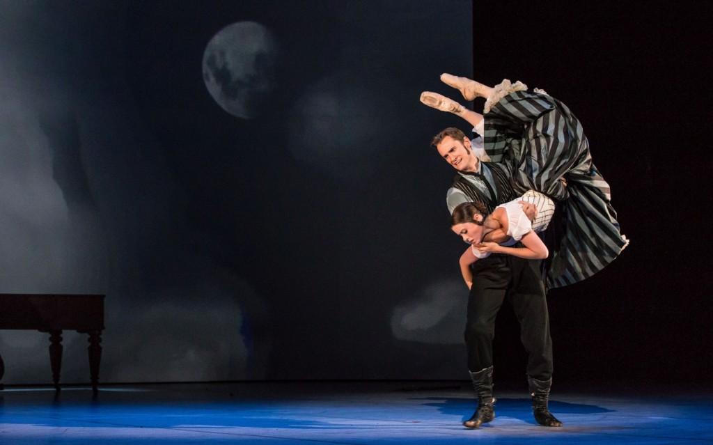 "9. D.Semionov and J.Báby, ""The Piano"" by J.Bubeníček, Les Ballets Bubeníček 2015 © S.Ballone"