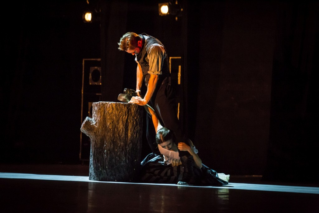 "10. D.Semionov and J.Báby, ""The Piano"" by J.Bubeníček, Les Ballets Bubeníček 2015 © S.Ballone"