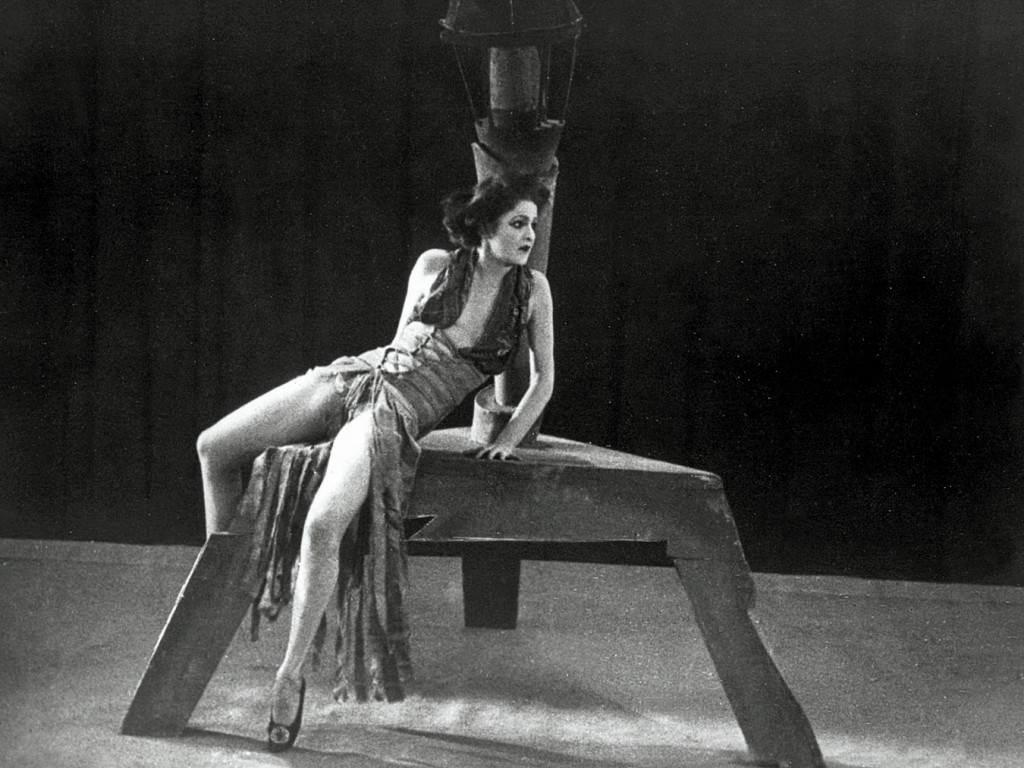 "6. A.Berber in the screen adaption of ""Cocaine"" which was part of the documentary ""Modern Dances/ Dances of Debauchery, Horror and Ecstasy"", 1923, archive L.Fischer, photo by courtesy of H.Bäßler Publishing House 2015"