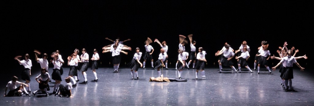 17. Ensemble, Impressing the Czar by W.Forsythe, Semperoper Ballet, photo I.Whalen