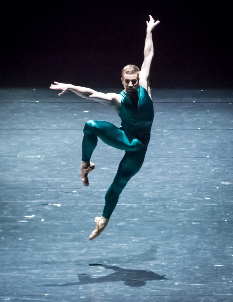9. J.Vallejo, In the Middle, Somewhat Elevated by W.Forsythe, Semperoper Ballet, photo I.Whalen
