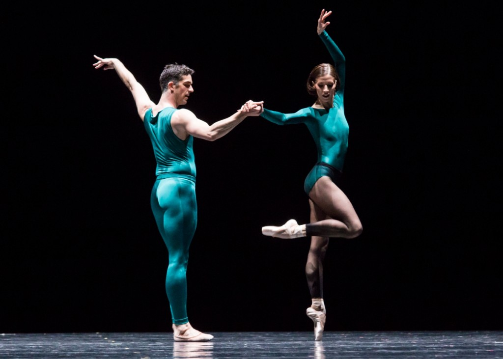 4. L.Guilbaud and S.Gileva, In the Middle, Somewhat Elevated by W.Forsythe, Semperoper Ballet, photo I.Whalen