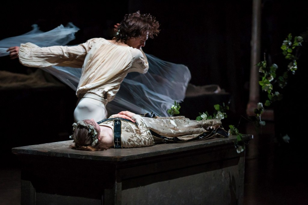 12. J.Bellussi and E.Mazon, Romeo and Juliet by J.Neumeier, Hamburg Ballet © S.Ballone