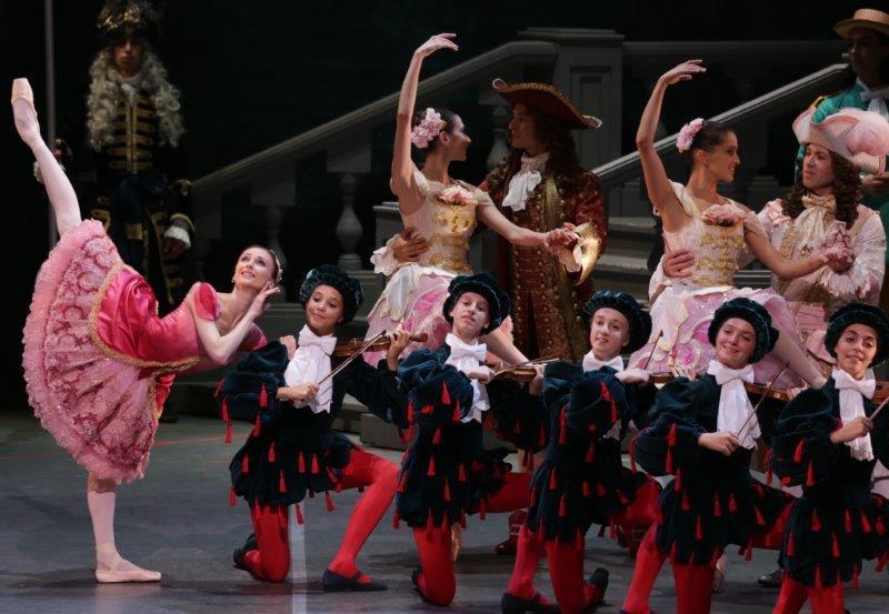 4. S.Zakharova and ensemble, The Sleeping Beauty by M.Petipa and A.Ratmansky, Teatro alla Scala, photo M.Brescia and R.Amisano