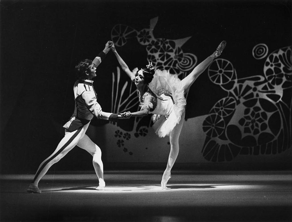5. E.Madsen and M.Haydée, The Nutcracker by John Cranko, ca. 1966, Stuttgart Ballet, photo Hannes Kilian