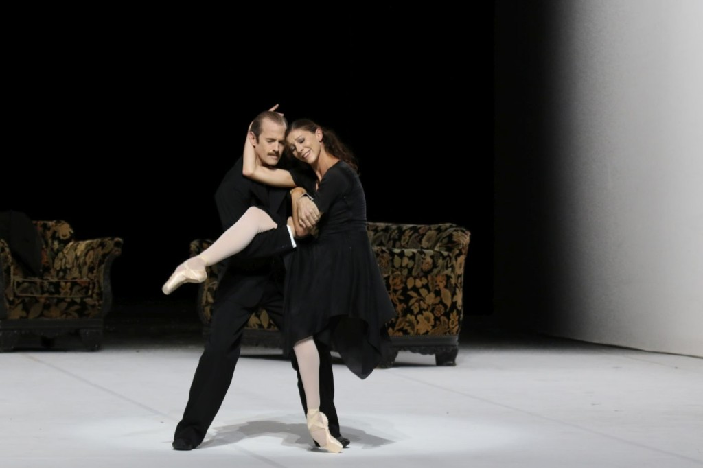 """2. L.Riggins and H.Bouchet, """"A Cinderella Story"""" by J.Neumeier, photo: Holger Badekow"""