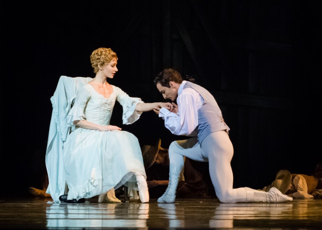 "1. M.Hamilton and J.Bubeniček, ""Manon"" by Kenneth MacMillan, photo Ian Whalen"