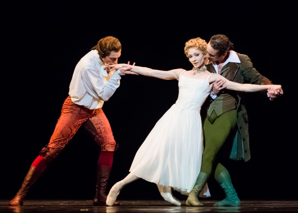 "6. R.Coumes-Marquet, M.Hamilton and F.Voranger, ""Manon"" by K.MacMillan, photo: I.Whalen"
