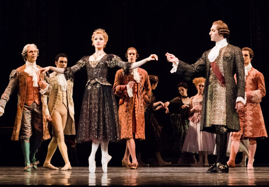 "7. M.Hamilton, R.Coumes-Marquet and ensemble, ""Manon"" by K.MacMillan, photo: Ian Whalen"